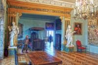 Інтер'єр спальні замку в Олеську