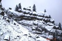 Скелі Тустань взимку