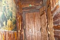 Вхід до підземель ресторану Криївка
