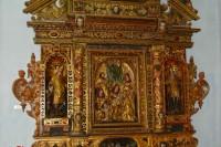 Вівтар костелу в експозиції Олеського замку