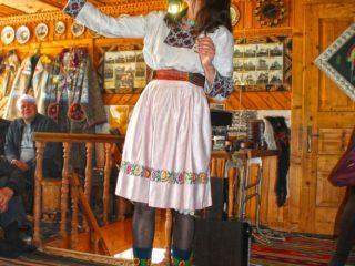 Тур в Карпаты на выходные со Львова «Гуцулка Ксения»