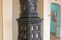 Олеський замок фото декоративної печі